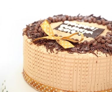 Chocolate Peanut Butter Caramel Crunch Cake